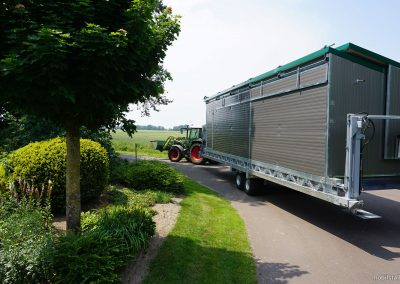 Mobilstall Regio: Hybridversion mit Rädern.