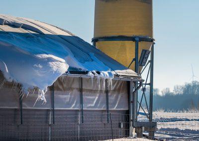 Mobilstall Rundbogen: Vollisolation gegen Eis und Schnee im Winter