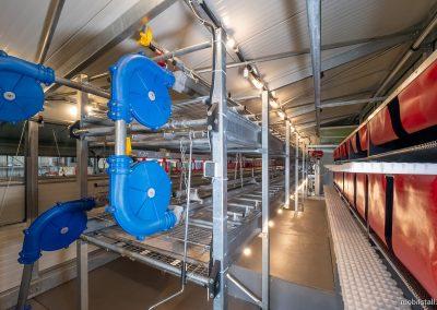 Mobilstall Regio-Räder: Voilerensystem mit Futterkette.